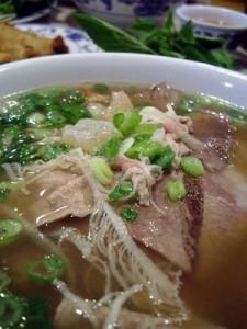 pho tai gau gan sach Fresh Rice Noodles with Eye Round Steak, Soft Tendon & Tripe