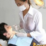 Dentist ways of making patients open their mouth wide open guarantee